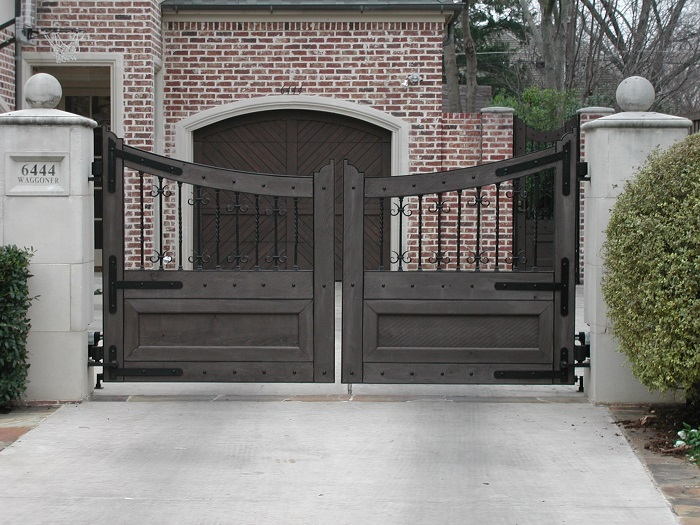 Automatic gate types